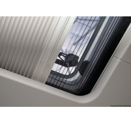 OceanAir-PCG_21628-DOMETIC SkyScreen Pleated blind and flyscreen – surface mounted-20