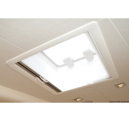 OceanAir-PCG_21365-DOMETIC SkyScreen Recessed roller blind and flyscreen – installation flush with yachts headlining-20